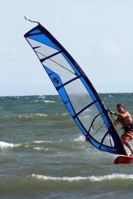 Randy Windsurfing (2)